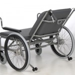 Schwerlastrollstuhl mit beweglicher Rückenlehne
